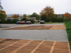 Holzrost aus Eiche für Parkplatz Zollikofen