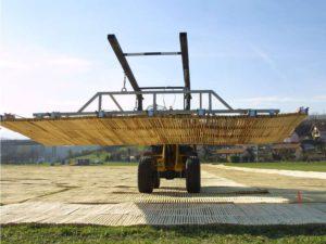Verlegen der ecopark Holzroste mit Maschine