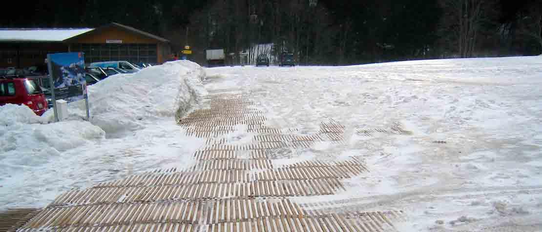 Winterparkplatz Adelboden mit ecopark Holzrosten