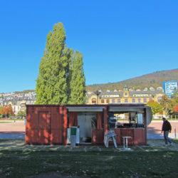 """Park Jeunes-Rives Neuenbug Cafe """"Au Bord Du"""""""