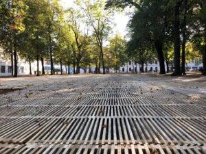 Passareco-System als Bodenschutz aus Holz für Parkanlage Petersplatz