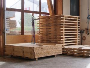 Halbzeit - Der 1740ste Holzrost für das ETF 2019 in Aarau wurde gefertigt