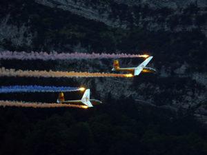 Segelflugzeuge OE-0758 an der Zigermeet 2019 in Mollis mit farbigem Rauch