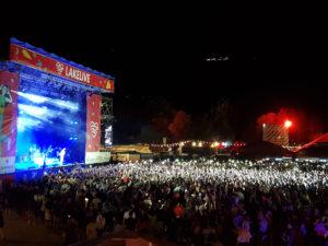 Lakelivefestival 2019 in Biel, Hauptbühne bei Nacht an der SwissNight